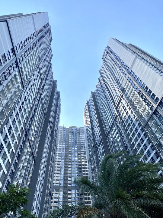 Kiến nghị mở rộng tỉ lệ bán nhà cho người nước ngoài để cứu bất động sản cao cấp - Ảnh 1.
