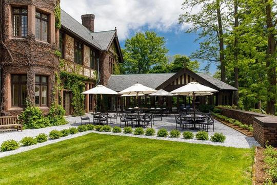 Giới siêu giàu Âu - Mỹ thuê toàn bộ resort, khách sạn để tự cách ly - Ảnh 4.
