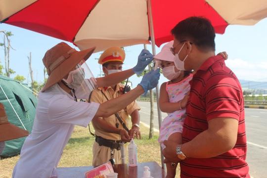 Sợ vỡ trận, Quảng Nam kiến nghị dừng tàu chở khách từ TP HCM, Hà Nội về - Ảnh 1.