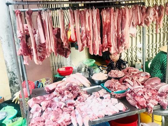 Muốn mua thịt heo rẻ lên ti vi mà mua! - Ảnh 1.