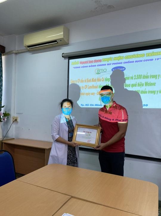 Bình Minh cảm ơn y - bác sĩ tuyến đầu chống dịch COVID-19 - Ảnh 2.