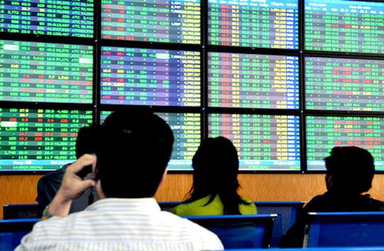 Cổ phiếu bất động sản lao dốc không phanh trong mùa dịch - Ảnh 1.