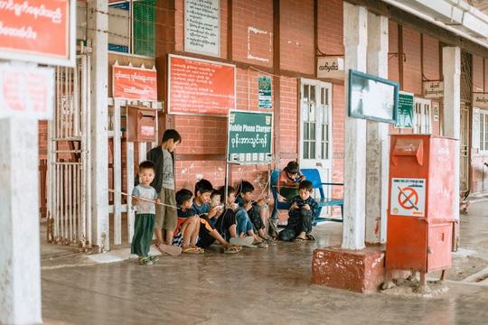 Cuộc sống ở Myanmar là những khung hình bình dị và yên ả - Ảnh 39.