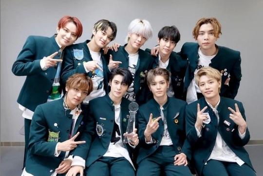 V (BTS) dẫn đầu danh sách 100 nam thần châu Á - Ảnh 6.