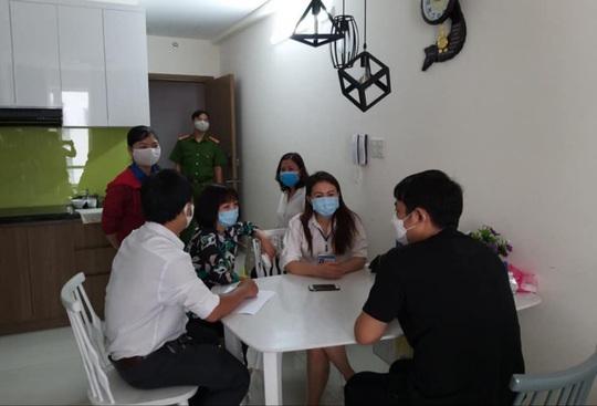 TP HCM: Hơn 900 người nhập cảnh chờ kết quả xét nghiệm Covid-19 - Ảnh 1.