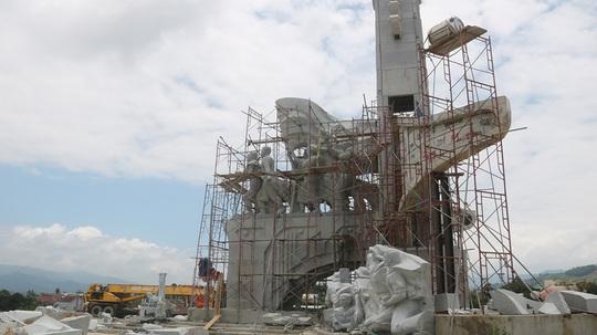 CLIP: Toàn cảnh tượng đài 14 tỉ đồng ở huyện nghèo miền núi Quảng Nam - Ảnh 5.