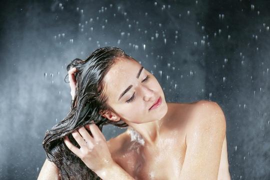 3 điều cấm kỵ khi tắm mà chị em hay mắc phải - Ảnh 1.