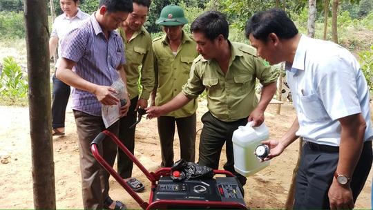 LĐLĐ Quảng Bình: Hỗ trợ máy phát điện cho 2 trạm bảo vệ rừng 3 không ở vùng sâu - Ảnh 2.