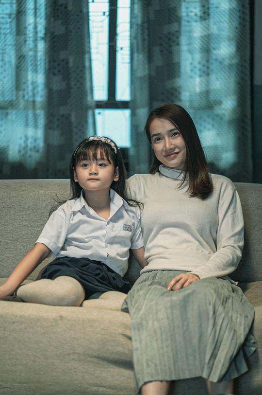 Nhã Phương tái xuất điện ảnh, đóng cặp với Trương Thế Vinh - Ảnh 2.