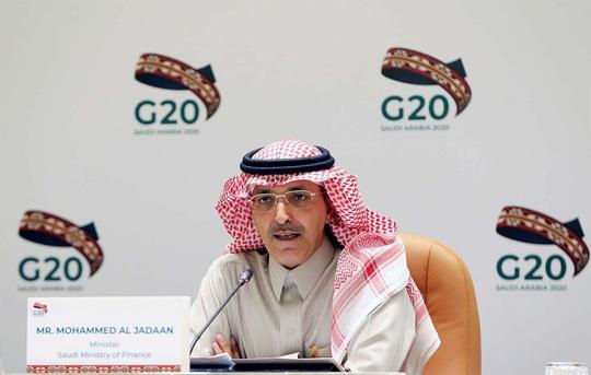 Dính đòn kép cực mạnh, nhà giàu Ả Rập Saudi khóc ròng - Ảnh 1.