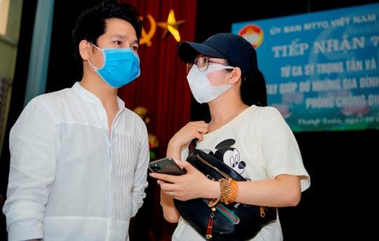 Ca sĩ Đinh Hiền Anh chi gần 1 tỉ đồng làm từ thiện trong dịch Covid-19 - Ảnh 1.