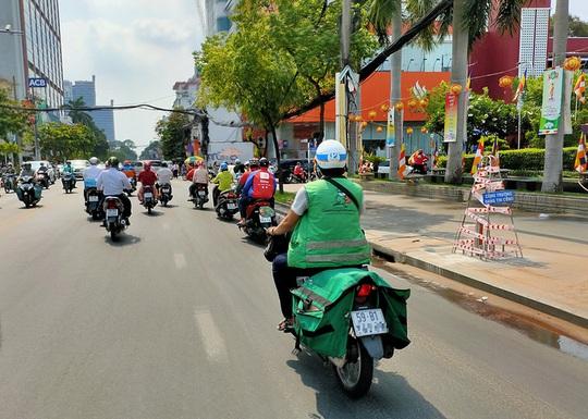 Covid-19 thay đổi cách đi chợ của người Việt ra sao? - Ảnh 1.