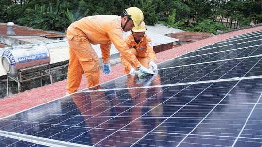 EVNSPC kêu gọi phát triển điện mặt trời áp mái - Ảnh 1.