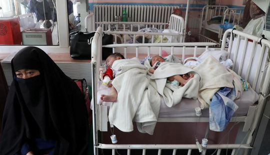 Trẻ sơ sinh và phụ nữ bị thảm sát tại bệnh viện, cả nước Afghanistan bị sốc - Ảnh 1.