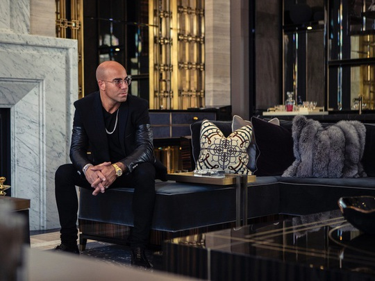 Nhà thiết kế giường 400.000 USD và biệt thự 100 triệu USD - Ảnh 1.