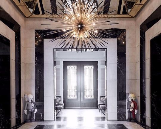 Nhà thiết kế giường 400.000 USD và biệt thự 100 triệu USD - Ảnh 2.