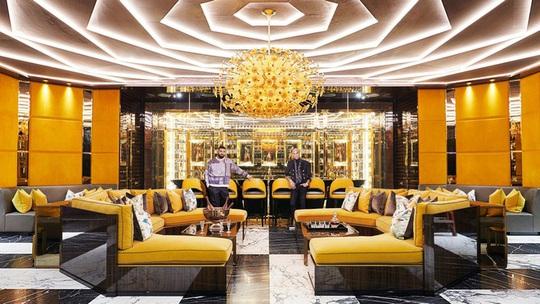 Nhà thiết kế giường 400.000 USD và biệt thự 100 triệu USD - Ảnh 3.