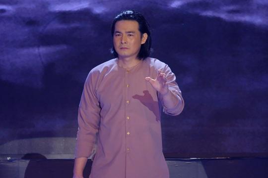 Diễn viên Quách Ngọc Ngoan nhận cơn mưa lời khen khi đi hát - Ảnh 3.