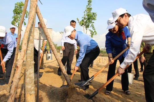TP HCM phát động Tết trồng cây nhớ ơn Bác Hồ - Ảnh 2.