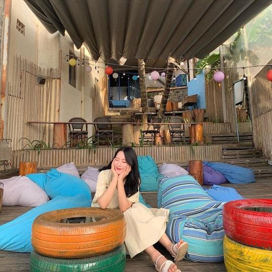 Ngắm hoàng hôn tại những quán cà phê view đẹp ở Phú Quốc - Ảnh 4.