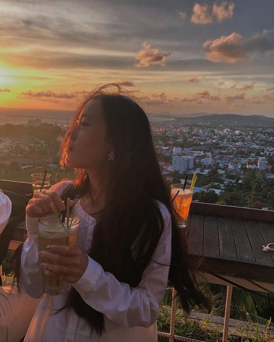 Ngắm hoàng hôn tại những quán cà phê view đẹp ở Phú Quốc - Ảnh 8.