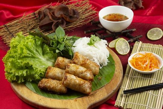 Trải nghiệm Ẩm thực từ tình yêu tại Café Central Nguyễn Huệ - Ảnh 2.