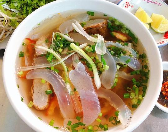 Bún sứa và 7 món ăn lạ vị đáng thử khi tới Nha Trang - Ảnh 2.