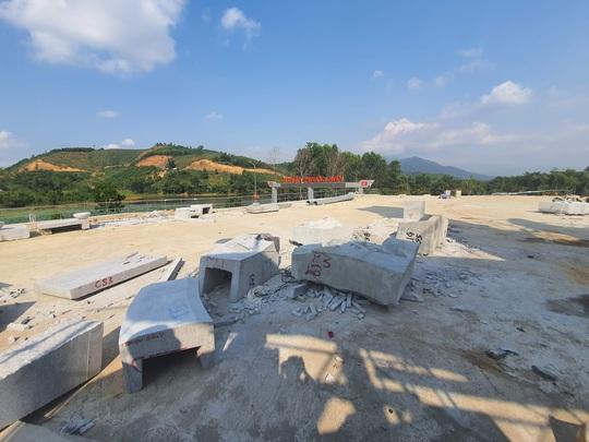 CLIP: Toàn cảnh tượng đài 14 tỉ đồng ở huyện nghèo miền núi Quảng Nam - Ảnh 15.