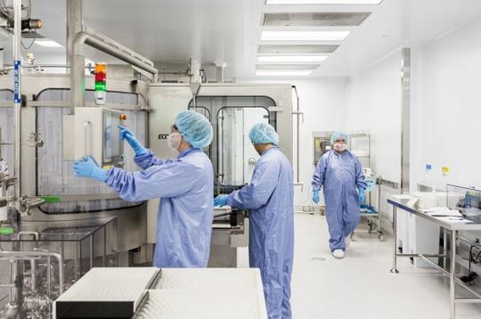 Mỹ: FDA cho phép sử dụng thuốc Remdesivir trong điều trị Covid-19 - Ảnh 2.