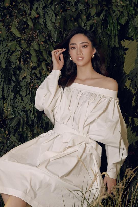 Hoa hậu Lương Thùy Linh lạ lẫm sau đăng quang - Ảnh 4.