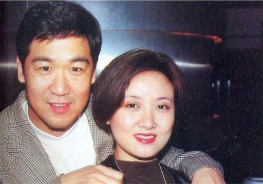 Hôn nhân 31 năm của diễn viên Tể tướng Lưu Gù - Ảnh 1.