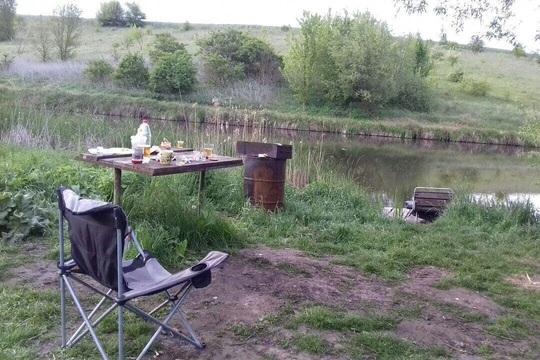 Cùng nhau đi câu cá, rượu vào, 7 người bị bắn chết - Ảnh 2.