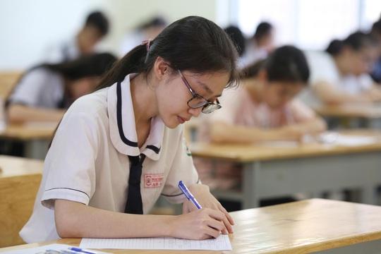 Nhiều trường xét tuyển học bạ 5 học kỳ - Ảnh 1.