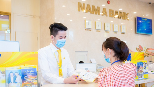Nam A Bank - Top 50 thương hiệu nhà tuyển dụng hấp dẫn nhất với sinh viên Việt Nam - Ảnh 2.