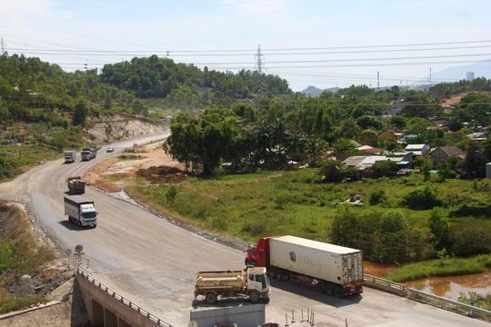 Cao tốc La Sơn – Túy Loan: Gấp rút hoàn thiện, chờ ngày thông xe - Ảnh 5.