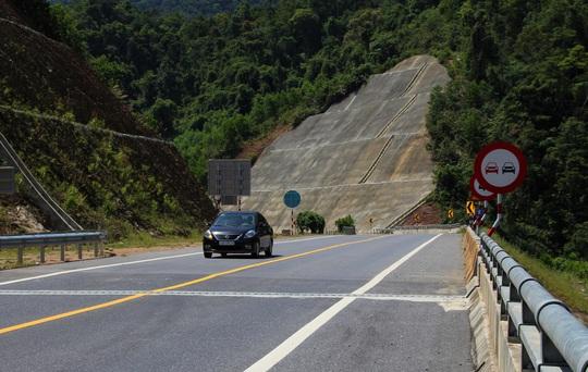 Cao tốc La Sơn – Túy Loan: Gấp rút hoàn thiện, chờ ngày thông xe - Ảnh 6.