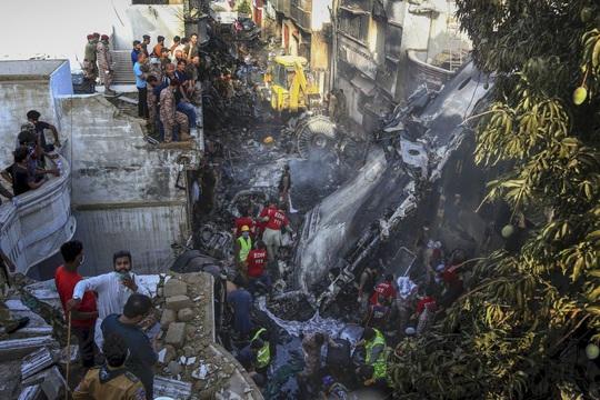 Máy bay Pakistan rơi: Nhiều nghi vấn trong đoạn ghi âm - Ảnh 6.