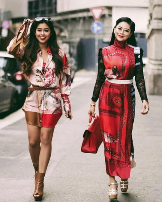 Tiên Nguyễn và mẹ khoe sắc vóc trong loạt váy áo hàng hiệu đắt đỏ - Ảnh 13.