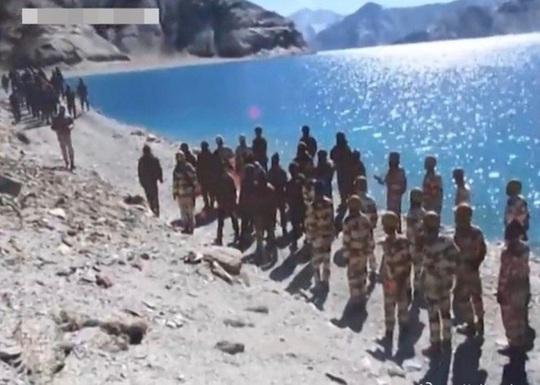 5.000 binh sĩ Trung Quốc đến biên giới với Ấn Độ, căng thẳng lên tới đỉnh điểm - Ảnh 1.