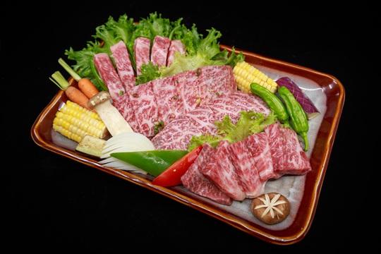 Thưởng thức thịt bò Nhật thượng hạng tại nhà hàng BBQ Nhật Bản KOKUGYU - Ảnh 4.