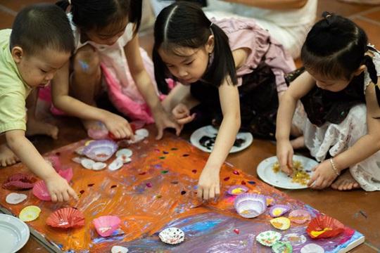 Vẽ lên cổ tích gây quỹ cho trẻ khiếm khuyết - Ảnh 1.