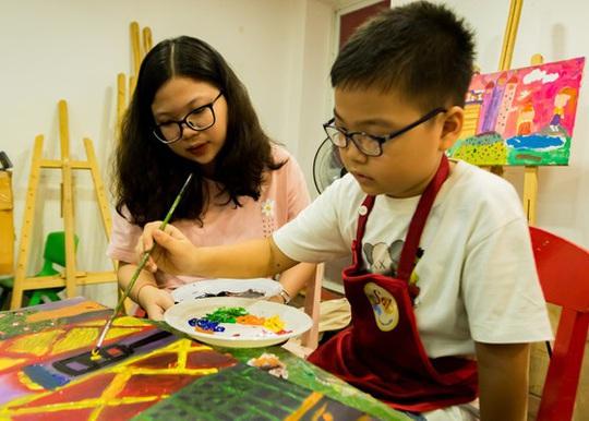 Vẽ lên cổ tích gây quỹ cho trẻ khiếm khuyết - Ảnh 2.