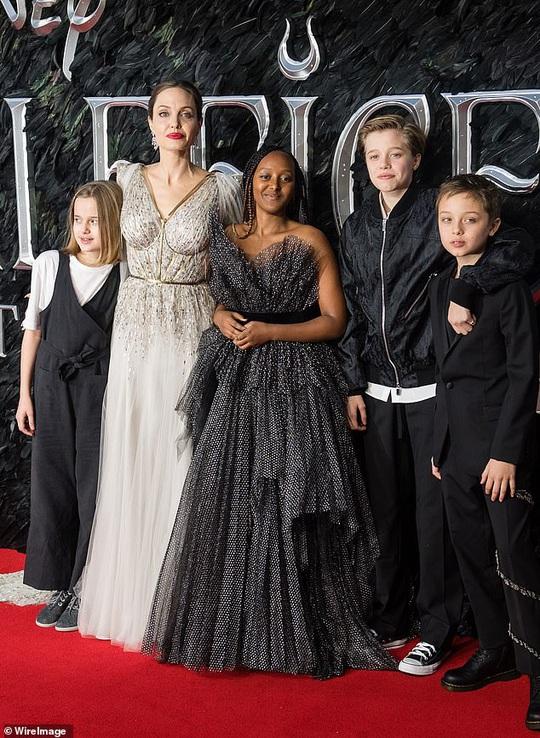 Brad Pitt tụ hội Pax Thiên và các con - Ảnh 4.