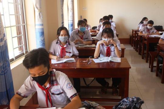 Học sinh khắp nơi háo hức trở lại trường - Ảnh 5.