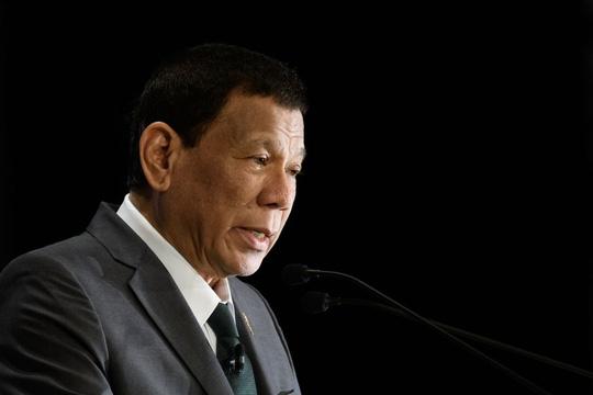 Tổng thống Philippines hòa giải với các tỉ phú trong nước - Ảnh 1.