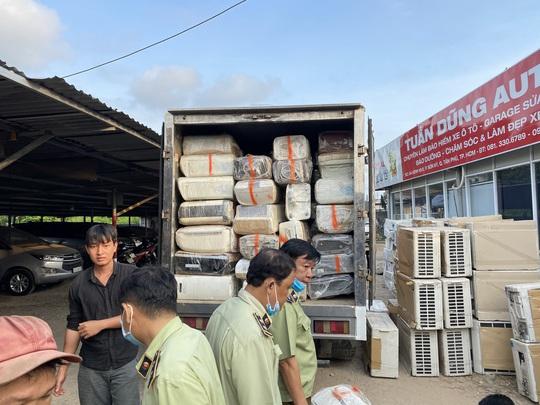 Đánh úp kho hàng điện lạnh nhập lậu quy mô lớn tại TP HCM - Ảnh 6.