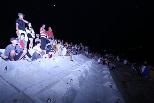 Vụ lật thuyền ở Quảng Nam: Người nhà khóc cạn nước mắt - Ảnh 18.