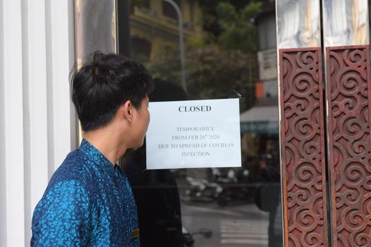 Nhiều người phải rao bán nhà hàng, khách sạn vì dịch Covid-19 - Ảnh 1.