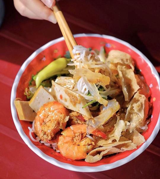 Bún nem nướng và loạt bún nguội trứ danh ở Việt Nam - Ảnh 3.