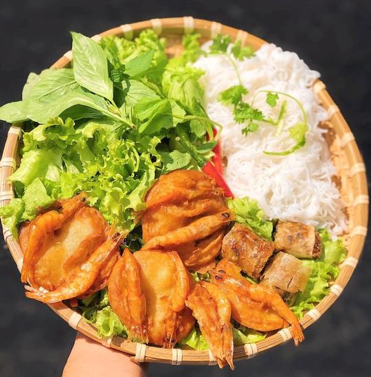 Bún nem nướng và loạt bún nguội trứ danh ở Việt Nam - Ảnh 7.